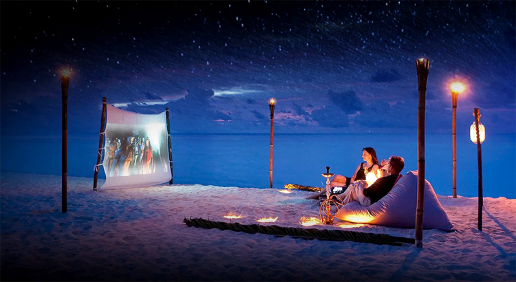 Tahiti Cineymoon Kinoabend am Strand