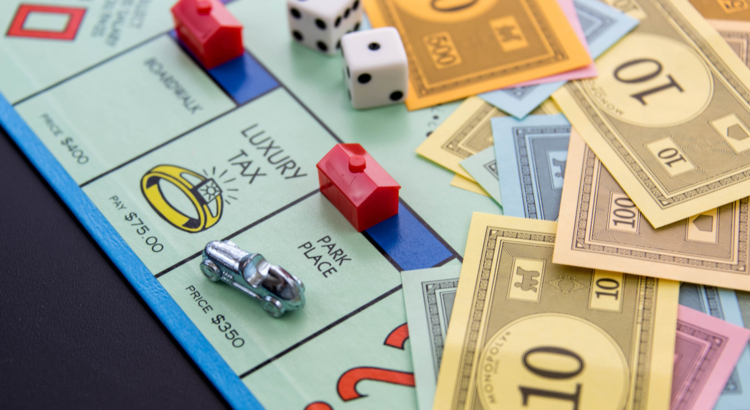 Monopoly-Auto auf Park Place mit hotel – Foto iStock martince2