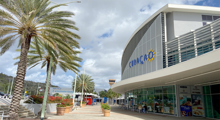 Curacao Airport Foto KLM