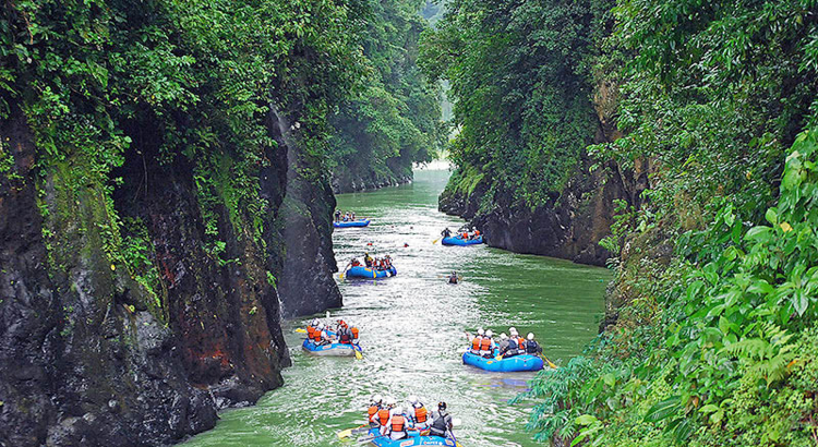Costa Rica Pacuare Rafting